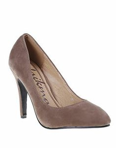 Vezi pe Mujo.ro recomandari de pantofi ieftini online, din piele naturala, din piele intoarsa dar si din imitatie de piele, pantofi office si de ocazie pentru femei. Pentru mai multe detalii da click pe poza! Mai, Peep Toe, Pumps, Shoes, Fashion, Moda, Zapatos, Shoes Outlet, Fashion Styles