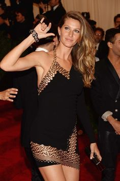 Gisele Bündchen wears Anthony Vaccarello @ The Met Gala Red Carpet 2013.