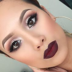 """""""Everything about this look is perfection!!! Wow! My sistah @huongggggiggles killin it! All her looks are always so flawless and clean! Lippie: MAC…"""""""