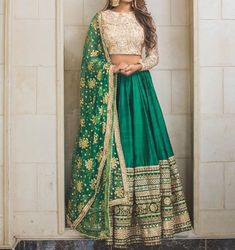 Trendy Ideas For Wedding Indian Gowns Receptions Bridal Lehenga Indian Lehenga, Green Lehenga, Indian Gowns, Indian Attire, Indian Ethnic Wear, Pakistani Dresses, Lehenga Choli, Indian Suits Punjabi, Indian Style