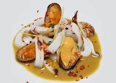 Calamar y mejillones con salsa de curry de Mª Carmen Vélez | Gastronomía & Cía Chefs, Salsa Curry, Food Decoration, Fish And Seafood, Sandwiches, Food And Drink, Menu, Eggs, Chicken
