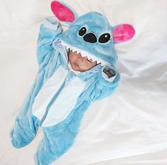Que coisa mais fofaaaaaa - Funny Baby - Que coisa mais fofaaaaaa The post Que coisa mais fofaaaaaa appeared first on Gag Dad. Lilo Stitch, Lelo And Stitch, Stitch Disney, Cute Stitch, Funny Baby Clothes, Funny Babies, Cute Babies, Baby Boy Outfits, Kids Outfits