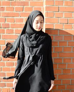 To Stop Overeating Life Overcoming Overeating Words Street Hijab Fashion, Muslim Fashion, Modest Fashion, Korean Fashion, Fashion Outfits, Womens Fashion, Girl Hijab, Hijab Outfit, Hijab Bride