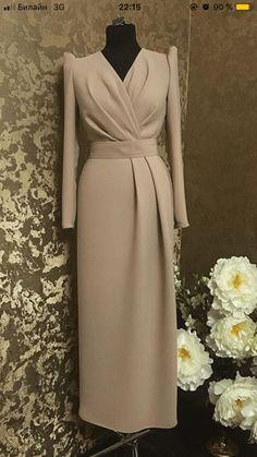 Elegant Dresses For Women, Dressy Dresses, Simple Dresses, Fabulous Dresses, Beautiful Dresses, Abaya Fashion, Muslim Fashion, Fashion Dresses, Mode Abaya