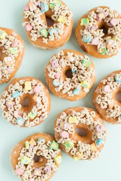 Three Charmin' Ways to Decorate Donuts for St. Patrick's Day | studiodiy.com