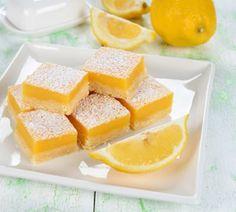 IngrédientsPour la pâte : - 170 g de beurre congelé _75 g de sucre glace - 250 g de farine -Une pincé de sel Pour la garniture : - 4 œufs légèrement battus - 270 g de sucre en poudre - 4cuillères à soupe de farine - 185 ml de jus decitron(environ 3 citrons)+zeste de …
