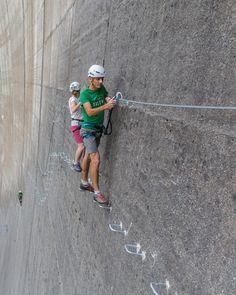 Mountain Climbing, Rock Climbing, Cute Photography, Nature Photography, Steve Mccurry Photos, Dangerous Roads, Walled City, Adventure Activities, Feeling Sick