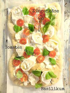 Flammkuchen mit Ziegenkäse, Tomaten und frischem Basilikum