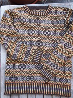 Ravelry: AsaW's old fair isle sweater  Every O is different!