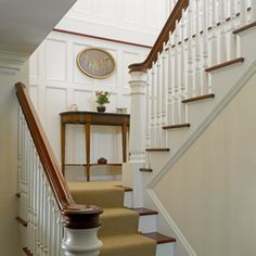 Traditional Staircase Design Ideas, Pictures, Remodel and Decor Stairs Trim, House Stairs, Carpet Stairs, Wall Carpet, Interior Staircase, Staircase Design, Contemporary Stairs, Contemporary Decor, Console Table