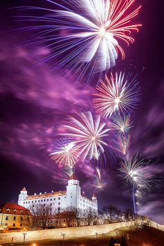 Bratislava Castle, Slovakia Miss watching fireworks at one of the coolest places I've ever been to. New Year Fireworks, Fireworks Show, Places To Travel, Places To Visit, Fire Works, Heart Of Europe, Central Europe, Famous Castles, Villas