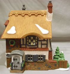 DEPT 56 BETSY TROTWOOD'S COTTAGE HERITAGE VILLAGE COPPERFIELD CHRISTMAS BLDG