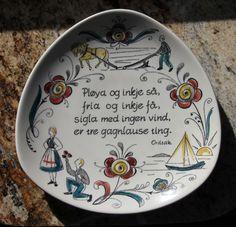 Stavangerflint Norwegian pottery.  Have this one... @Darcy Banks