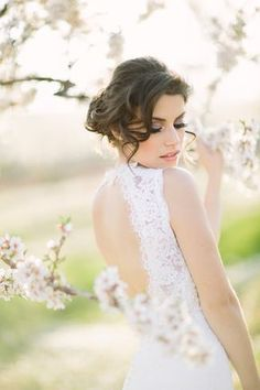 Wedding Photography - Delightfully classy and charming photo shoot information. Note - number 6691232332 posted on 20190316 Wedding Photography - Delightfully classy and charming photo shoot information. Note - number 6691232332 posted on 20190316 Photography Articles, Bride Photography, Portrait Photography, Wedding Venue Inspiration, Wedding Photography Inspiration, Fotografia Social, Almond Blossom, Bridal Portraits, Spring Wedding