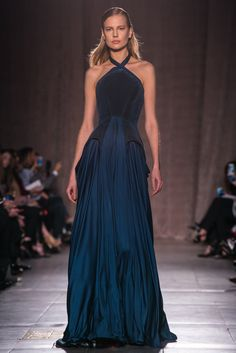 A look from the Zac Posen Fall 2015 RTW collection.