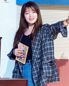#OHMYGIRLBANHANA South Korean Girls, Korean Girl Groups, Rapper, Arin Oh My Girl, Seulgi, Beautiful Ladies, Kpop Girls, Asian Beauty, Ulzzang