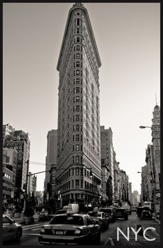 Flatiron Building... Mpls use to have one in the style of this on Washington and 1st (?) ..it's gone now :(