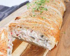 Opskrift på den bedste skinkestang med flødeost, champignon og skinke. Så god til aftensmad eller til en frokostbuffet. Smager godt både kold og varm.