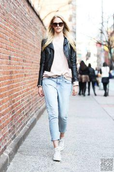 11 #Street Style Ways to Wear #Boyfriend Jeans ... → #Streetstyle #Light