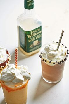 How to Turn Leftover Egg Nog Into Milkshakes / Leftover Egg Nog is just an amazing boozy milkshake waiting to happen (and if you have booze free egg nog, then you have both options!) #drinks #milkshakes #alcoholic Egg Nog, Melting Chocolate Chips, Fudge Sauce, Peanut Butter Chips, Leftovers Recipes, Pumpkin Spice Cupcakes, Vegetable Drinks, Alcohol Recipes, Milkshakes