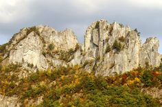 Top 10 Places to visit in West Virginia, USA- Seneca Rocks