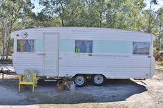 Vintage Retro Caravan 20ft Avondale Honeymooner Deluxe. Great for Home Office, Study/Guest Room or Mobile Storage. For Sale on ebay.