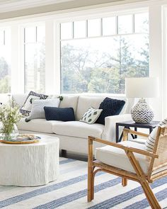 Coastal living room with a large striped area rug and a white painted coffee table Beach Living Room, Casual Living Rooms, Transitional Living Rooms, Small Living Rooms, Home Living Room, Living Room Designs, Living Room Furniture, Living Room Decor, Coastal Living