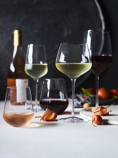 Learn how to host a wine tasting for your next party. It's the perfect way to discover a favorite new bottle and organize a fun night for friends. Wine Tasting Events, Wine Tasting Party, Wine Parties, Williams Sonoma, Wine Guide, Wine Brands, Expensive Wine, Wine Recipes, Brunch Recipes
