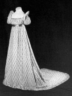 Regency dress 1807 #historical #costume