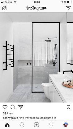 Bathroom ideas Modern Farmhouse Bathroom, Classic Bathroom, Glamorous Bathroom, Beautiful Bathrooms, Master Bedroom Bathroom, Bathroom Sets, Black Bathtub, New Modern House, Modern Contemporary Bathrooms