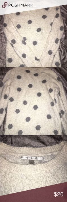 Cute polka dot sweater! Very soft and cute polka dot sweater! Fits a size Extra small (women's) or a girls 14/16, if you choose. This sweater is oh so soft and pretty! Lauren Conrad Sweaters Crew & Scoop Necks