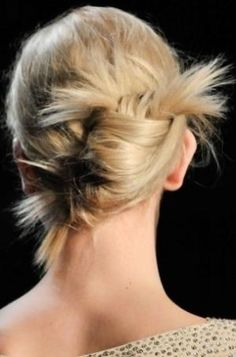 Easy Bun hairstyle video tutorials. Learn how to do easy buns at home with the videos in the page. by lorene