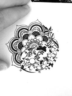 Mandala/yin yang. Looking to build a sternum tattoo, this has some nice elements…