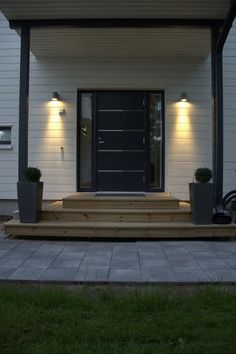 Exterior House Lights, Front Entrances, Decks And Porches, Wooden House, Outdoor Rooms, House Floor Plans, My Dream Home, Home Deco, Exterior Design
