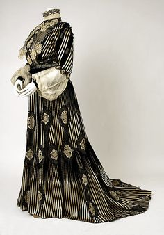 Dress Date: 1900–1905 Culture: American Medium: [no medium available] Dimensions: [no dimensions available] Credit Line: Gift of Mrs. Walter...