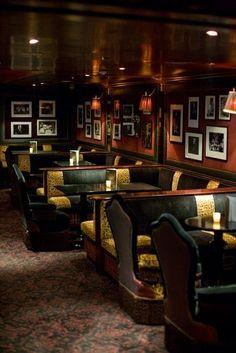 gr a cozy jazz wine bar for relaxing moments Pub Interior, Bar Interior Design, Restaurant Interior Design, Restaurant Furniture, Pub Design, Bar Lounge, Restaurant Hotel, Modern Restaurant, Bar Pub