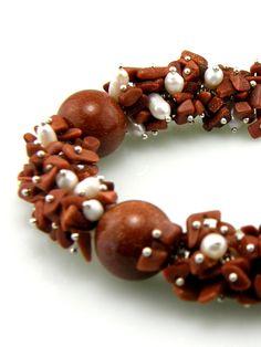 Goldstone and Pearl Cluster Beaded Bracelet. $35.00, via Etsy.