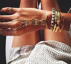 lovin this jewelry, need this look