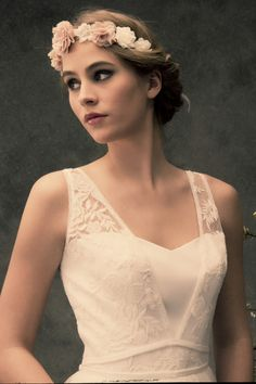 Robe de mariée Lambert Créations Valenciennes Ceremony Dresses, Event Dresses, Bridal Dresses, Boho Wedding, Wedding Gowns, Weeding Dress, Crochet Wedding, Winter Dresses, Costume Accessories