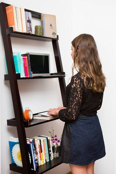 Diy standing desk ideas elevate your workspace and take your health to the next level with these easy standing desk ideas that you can create at work Ikea Hacks, Desk Hacks, Hacks Diy, Diy Computer Desk, Diy Desk, Retro Furniture, Home Office Furniture, Ikea Furniture, Furniture Stores
