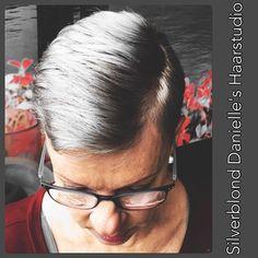 #danielleshaarstudio #silverblond #greyhair  gevestigd aan de Langendijk 35 bij Be You! Tel.0652358471