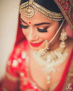 A mathapatti can prove to be the highlight of your bridal jewellery. Save some mathapatti and bridal necklace designs from here. #mathapatti #mathapattidesigns #bridaljewellery #indianbrides #pakstanibides #pakistanibridaloutfit #bridalnecklace #bridalmakeup #bridalwear #trndnglehenga #sabyasachijewellery #sabyasachilehenga #indianweddings #anitadongrelehenga #jewellery #earringsdesigns #nathdesigns #ringdesigns #mathapattisouthindian #mathapattiheadpiece #mathapattigold…