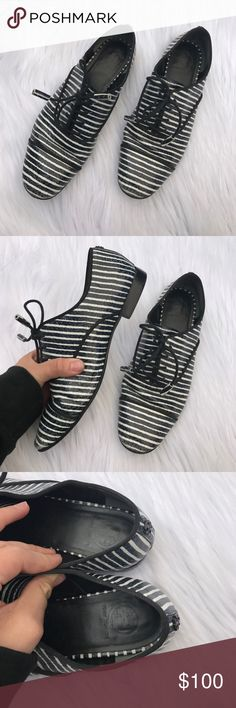TORY BURCH STRIPED LEATHER OXFORDS SHOES SZ 8 Super cute and trendy .. also amazing quality Tory Burch Shoes