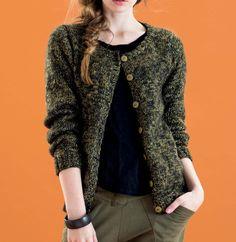 Retrouvez tout l'esprit de l'automne dans ce modèle de gilet tricoté en ' Phil-Diamant ' coloris Mousse et Météore.Modèle N°2 du catalogue N°125 : Femme, Automne/Hiver 2015