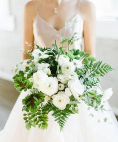 Her bouquet reminds us of taking a walk in the woods #naturebouquet #weddingbouquet See the tablescape that matches this #bouquet and the…