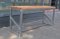 welding tools ideas #Weldingprojects Diy Welding, Welding Table, Metal Welding, Welding Projects, Welded Furniture, Car Furniture, Steel Furniture, Metal Bookcase, Welding Equipment