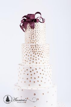 Wedding cake ' D'Amour' design by Annica's Designer Cakes