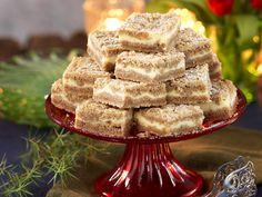 Vaniljrutor med pepparkaka recept   Allas Recept Christmas Sweets, Christmas Baking, Swedish Christmas, Swedish Recipes, Sweet Recipes, Pastry Recipes, Cookie Recipes, Zeina, Dessert Bars