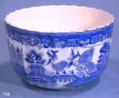 Blue Willow China, Blue And White China, Blue China, Love Blue, Green And Brown, Willow Pattern, Country Blue, Bird Cages, China Patterns