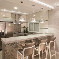 Kitchen Dinning Room, Kitchen Room Design, Home Decor Kitchen, New Kitchen, Home Kitchens, Contemporary Kitchen Design, Design Moderne, Led Lampe, Cuisines Design